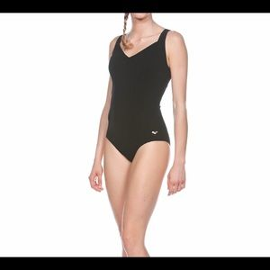 arena-perfect one piece bathing suit in size 32.